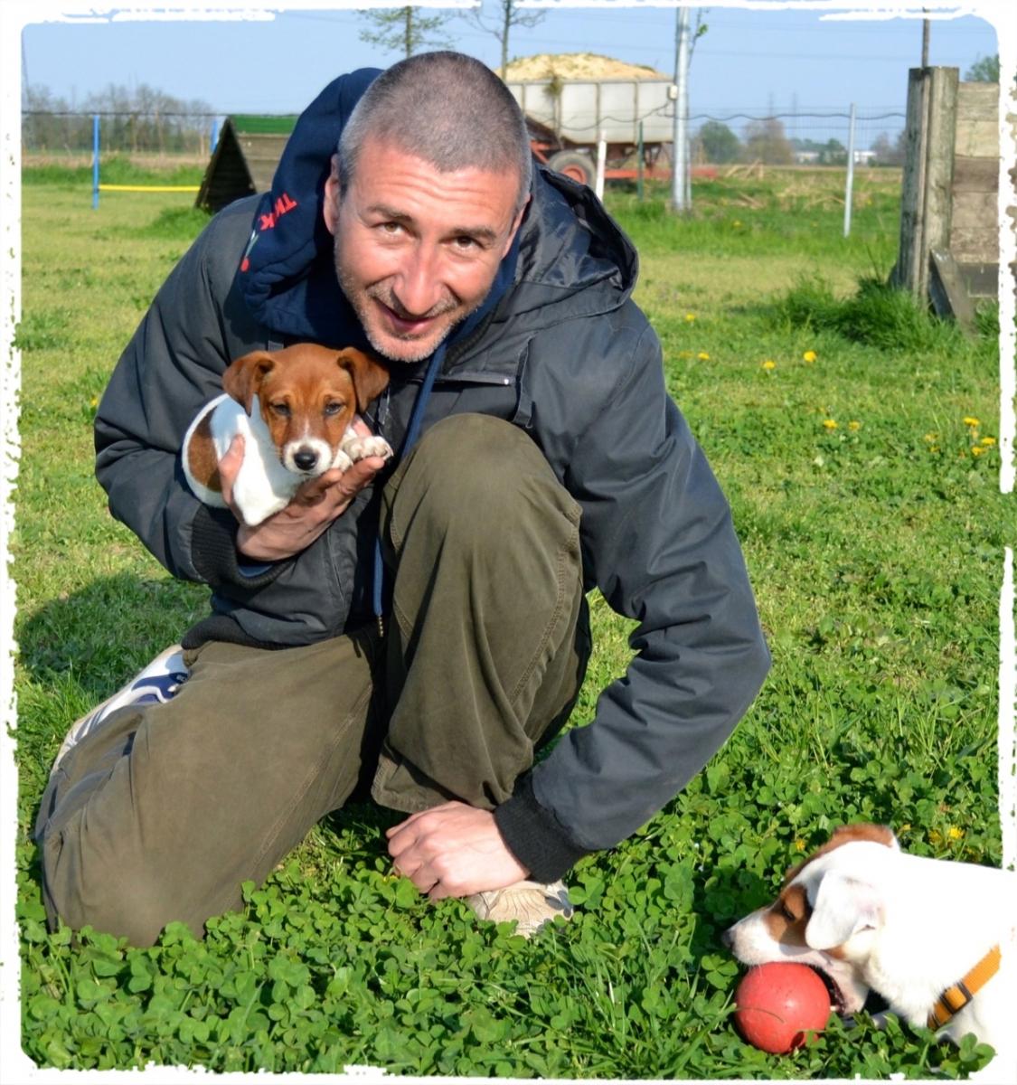 Cuccioli e Allevamenti 24